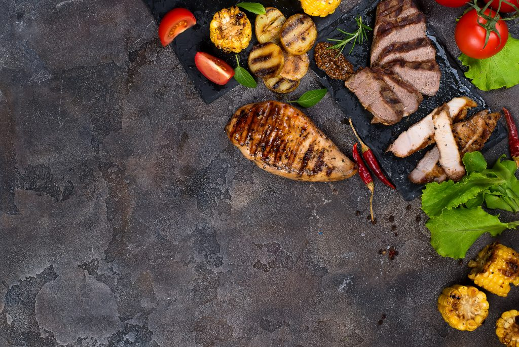 fresh-three-types-of-grilled-steak-on-slate-plate-RMFQ7JA-1024×684-2
